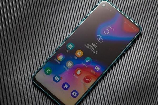 galaxy a8s reviews - بررسی تلفن هوشمند Galaxy A8S سامسونگ